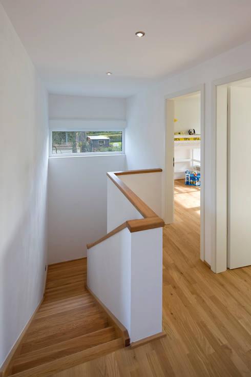 Corridor & hallway by puschmann architektur