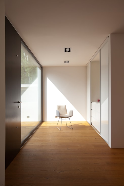 Ingresso & Corridoio in stile  di Schiller Architektur BDA