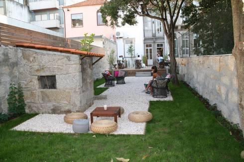 CASINHA BOUTIQUE CAFÉ I PORTO: Espaços de restauração  por Habitat Arquitectura Paisagista
