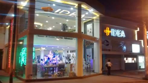 Galeria + Idea: Centros de exhibiciones de estilo  por AQ3 Arquitectos