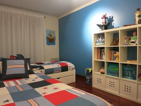 Ambiente Stars And Sea: Quarto de crianças  por Oficina Rústica (OFR Unipessoal Lda)