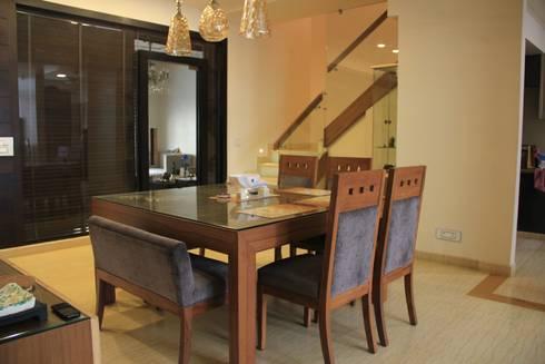 Mehra's Residence: modern Dining room by Studio Ezube
