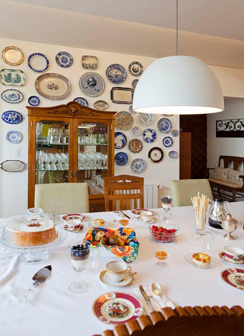 Projetos Residenciais: Salas de jantar modernas por ARCA ARQUITETURA