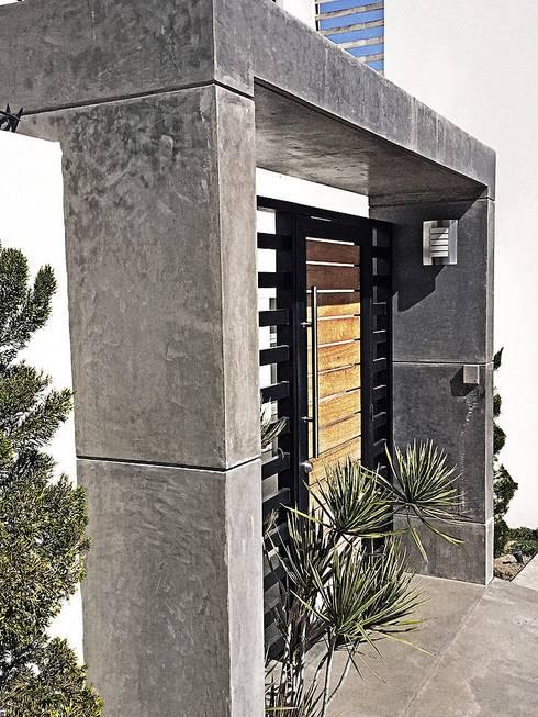 Casa Jupiter : Casas de estilo moderno por ZUM ARQUITECTURA