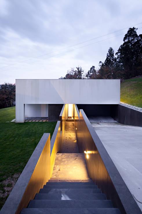 Rui Grazina Architecture + Design의  복도 & 현관