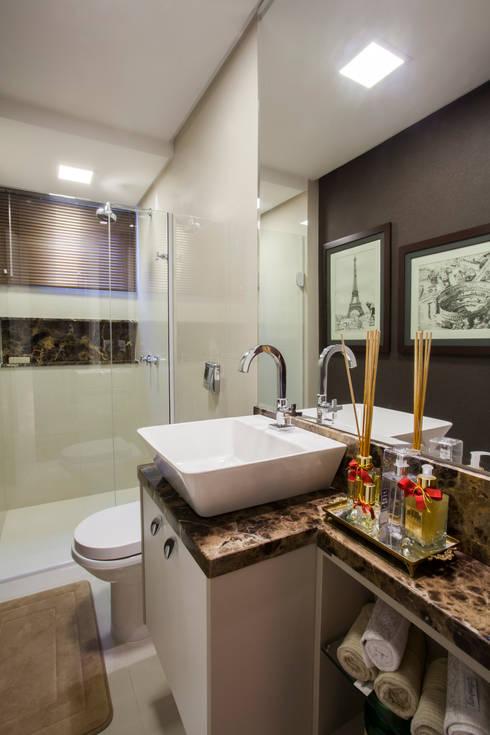 Banheiro com cara de lavabo: Banheiros modernos por Estúdio HL - Arquitetura e Interiores