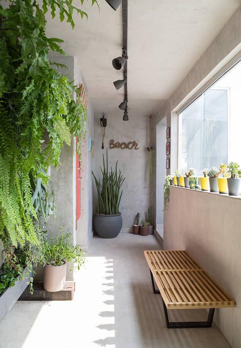 COBERTURA JOAQUIM ANTUNES : Jardins de inverno modernos por Eliane Mesquita Arquitetura