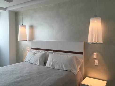 Bedroom : Recámaras de estilo minimalista por DECO designers