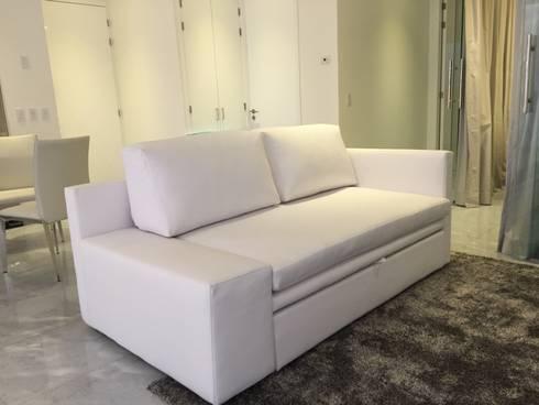 Sofa bed : Salas de estilo minimalista por DECO designers