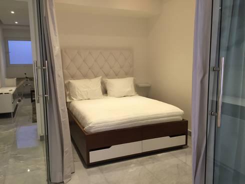Bedroom: Recámaras de estilo minimalista por DECO designers