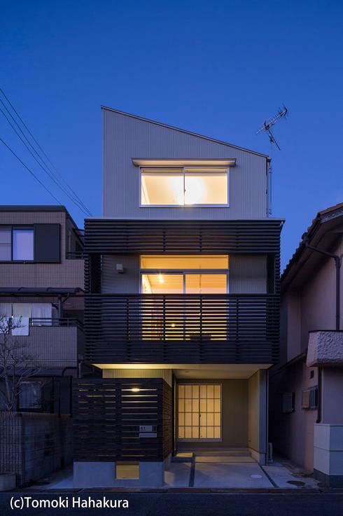 仲間が集う「よりあい」の家: I Live Architects/田辺弘幸建築設計事務所が手掛けた家です。