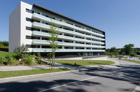 Altavista 9: Casas minimalistas por BLK-Porto Arquitectura