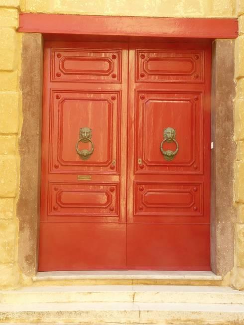Rote Tür: klassische Häuser von Gartenchef