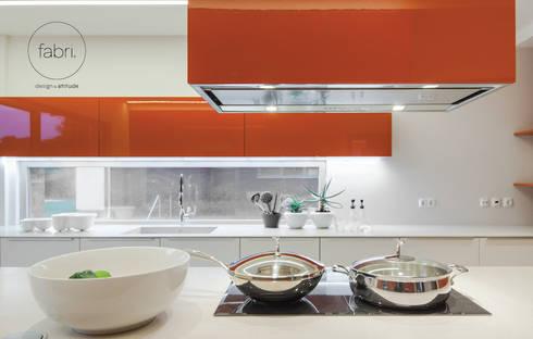 Laranja mecânica: Cozinhas minimalistas por FABRI