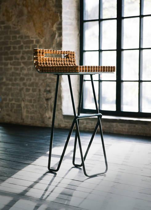 Барный стул: Столовая комната в . Автор – дизайн-студия промышленного дизайнера Анны Струпинской