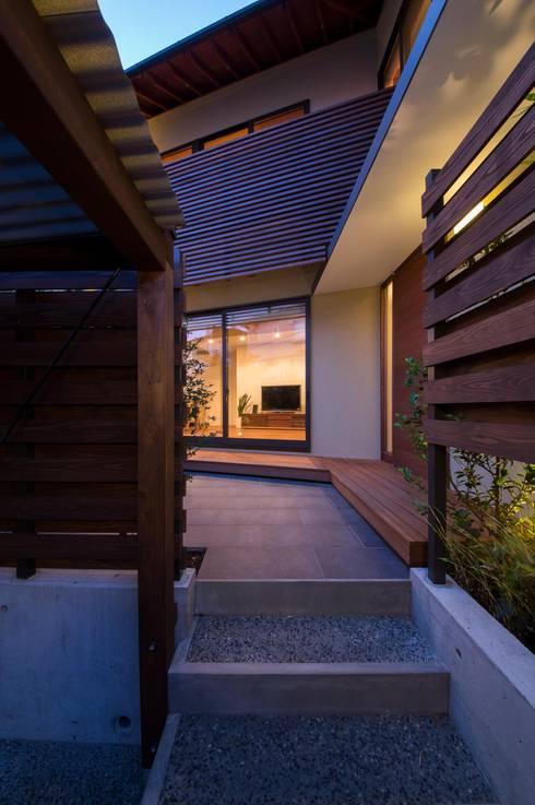 Windows by アトリエ・ブリコラージュ一級建築士事務所