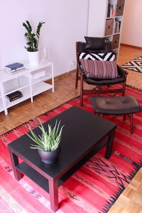 غرفة المعيشة تنفيذ Severine Piller Design LLC