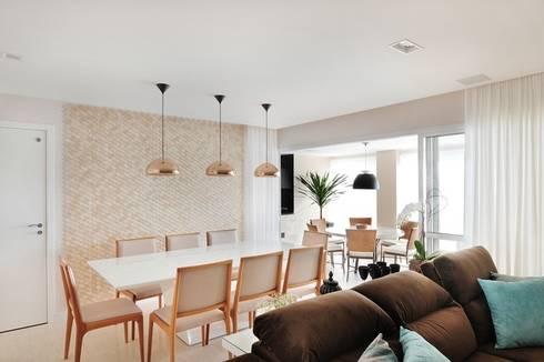 Sala Integrada à Varanda: Salas de jantar modernas por Madi Arquitetura e Design