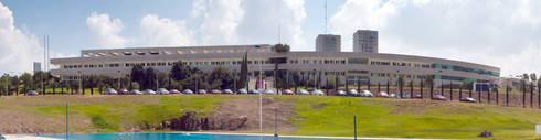 Campus Morelia, Tec de Monterrey: Escuelas de estilo  por juancarlosperez
