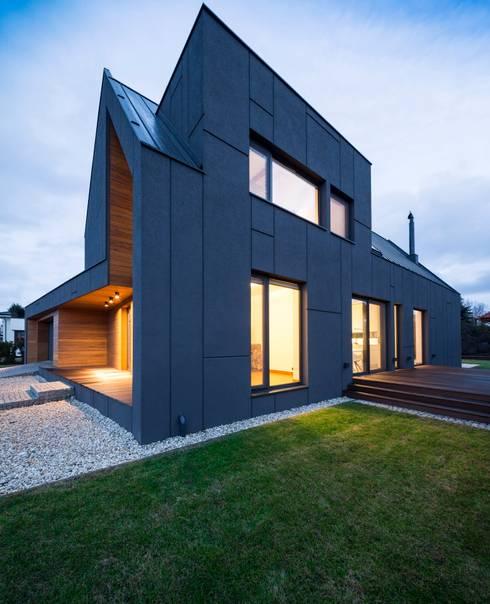 RYB house: styl , w kategorii Domy zaprojektowany przez BECZAK / BECZAK / ARCHITEKCI