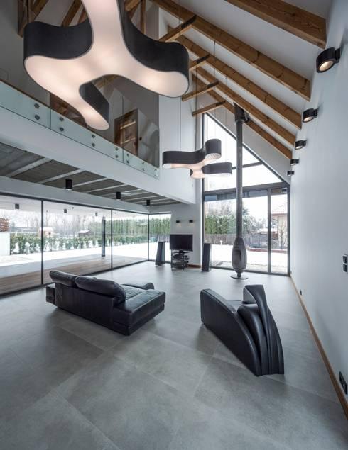 RYB house: styl , w kategorii Salon zaprojektowany przez BECZAK / BECZAK / ARCHITEKCI