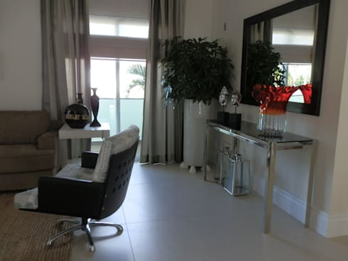 Casa de Hóspedes - Depois: Salas de estar modernas por MBDesign Arquitetura & Interiores