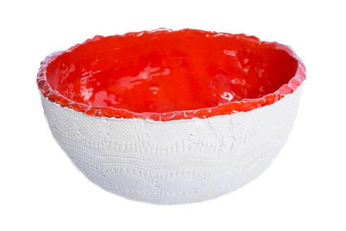 Cuba Bowl Renda Branca com Vermelho: Banheiro  por Atelier Daniele Drummond