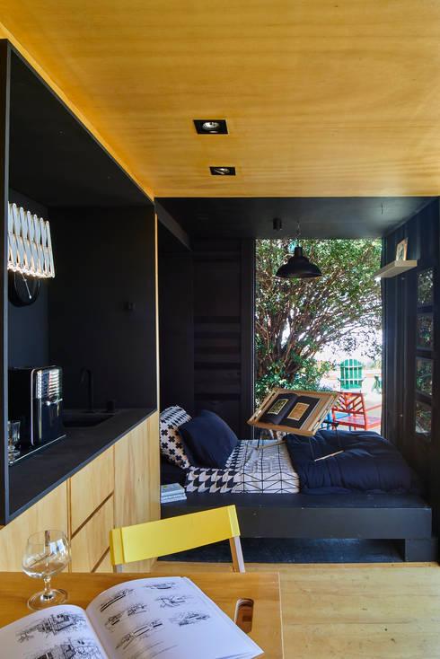 Dormitorios de estilo  por MEIUS ARQUITETURA