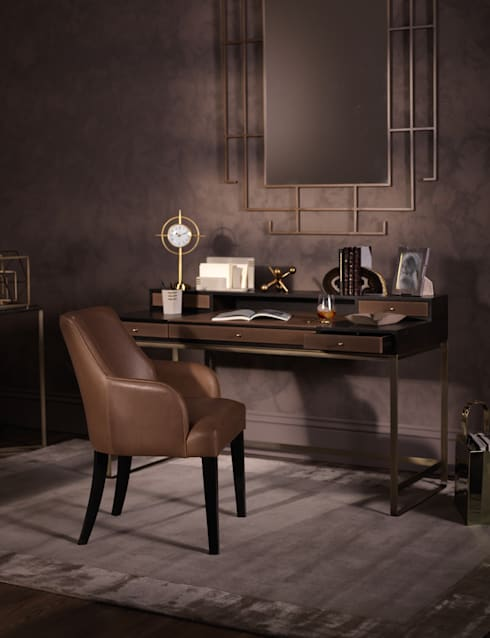 Metropolitan Luxe - Office:  Study/office by LuxDeco