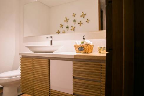 Baño principal: Baños de estilo moderno por Cristina Cortés Diseño y Decoración