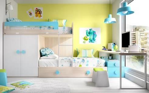 Composições de camas para espaços pequenos: Quartos de criança modernos por o quarto dos miúdos