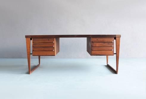 Rosewood Desk by Kai Kristiansen : Escritório  por Retro Age