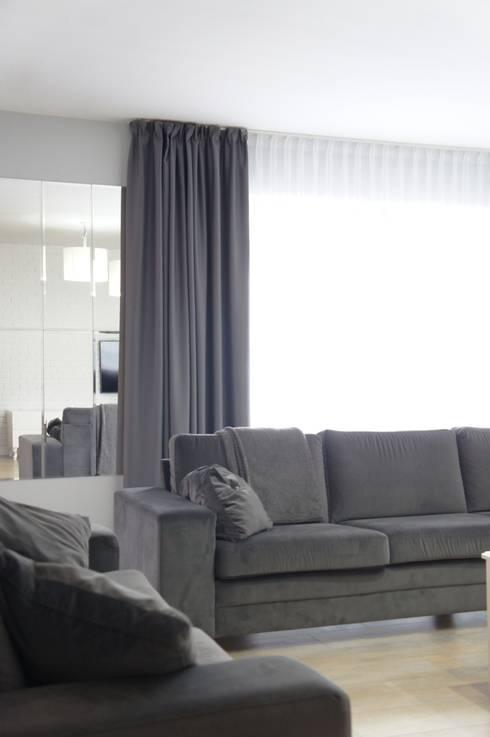 Dom Karakule: styl , w kategorii Salon zaprojektowany przez Anna Wrona