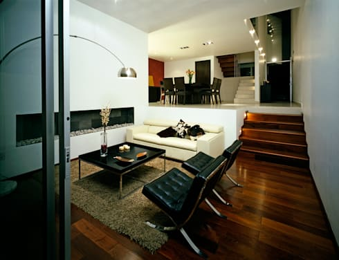 CaSA ASBUN Finished Work: Salas de estilo moderno por CoRREA Arquitectos