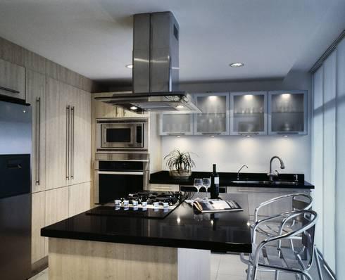 CaSA ASBUN Finished Work: Cocinas de estilo moderno por CoRREA Arquitectos