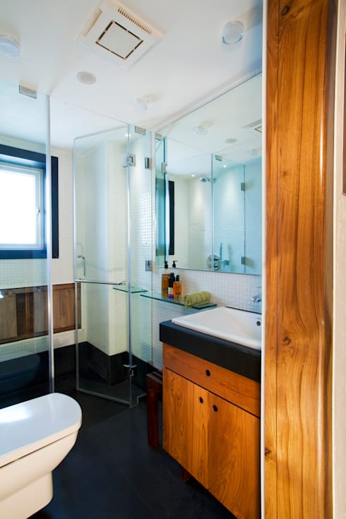 Residential—Bandstand: modern Bathroom by Nitido Interior design
