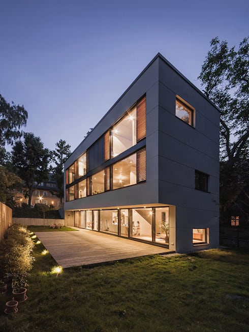 Projekty, nowoczesne Domy zaprojektowane przez Peter Ruge Architekten