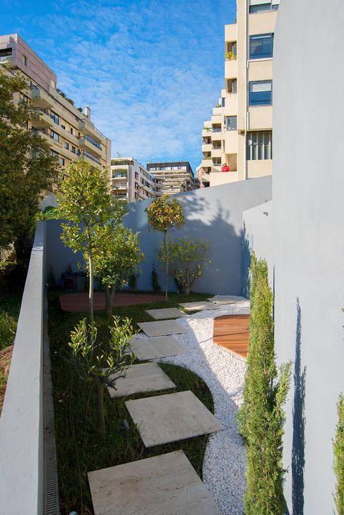 Jardim: Jardins  por GRAU.ZERO Arquitectura