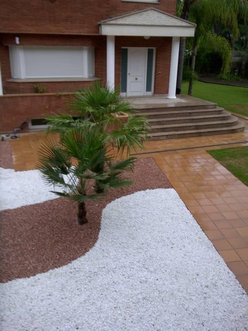 Terrazas y c sped artificial de quercus jardiners homify - Cesped artificial colombia ...