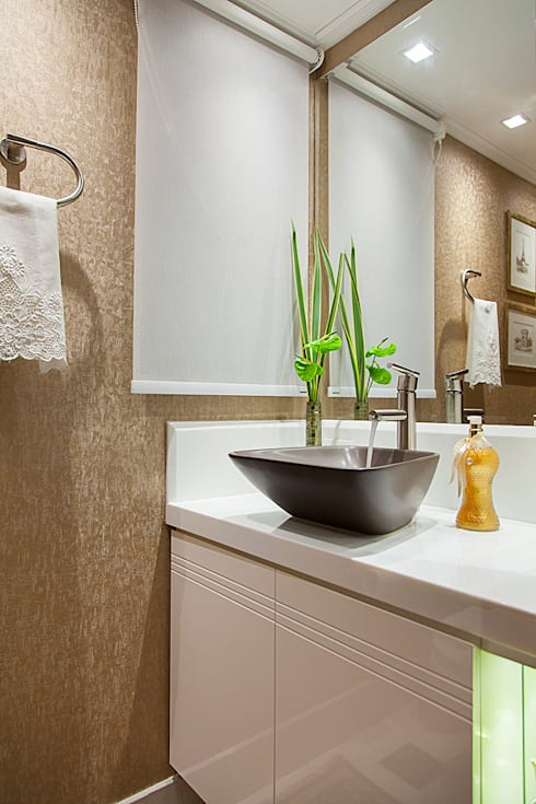 Bathroom by Débora Noronha Arquitetura