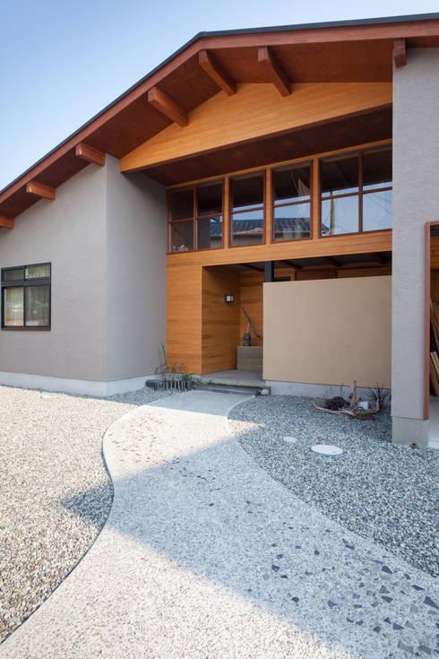 Casas  por 株式会社グランデザイン一級建築士事務所