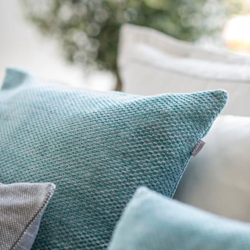 Deep Night - Almofadas decorativas: Quarto  por Home Concept