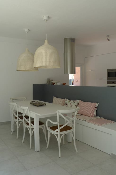 House – Carrasqueira, Sesimbra: Salas de jantar modernas por QFProjectbuilding, Unipessoal Lda