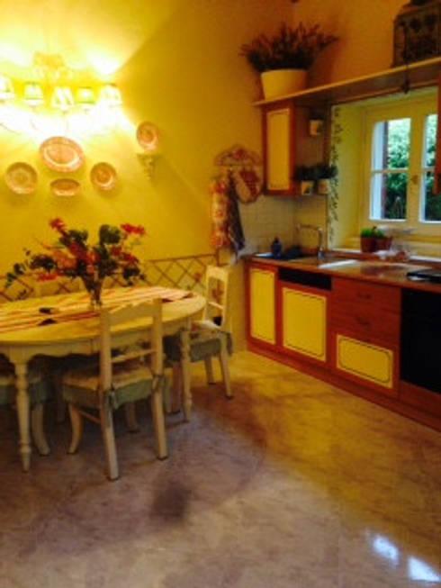 Existência - Cozinha : Cozinhas minimalistas por Varq.