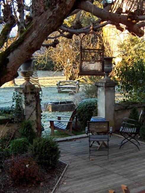 Terrasse en bois: Terrasse de style  par Atelier JP Bouvee