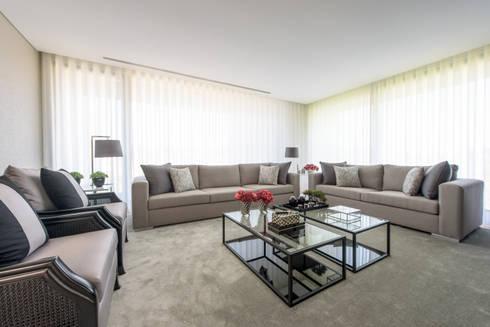 Moradia em Braga: Salas de estar modernas por NOZ-MOSCADA INTERIORES