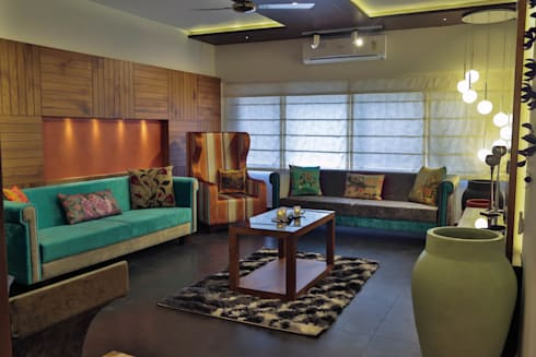 NRI Project: classic Living room by Intraspace