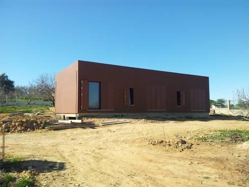 Habitação Unifamiliar :   por 7@ARQ. (arquitectura & construção)
