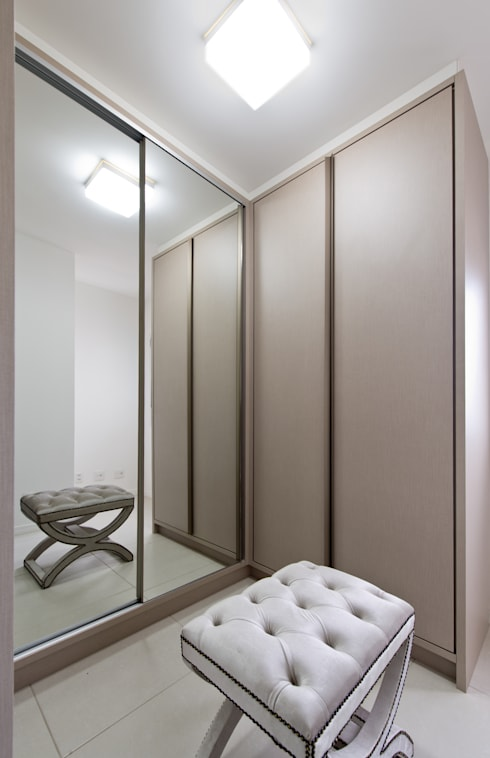 Dressing room by Mendonça Pinheiro Interiores