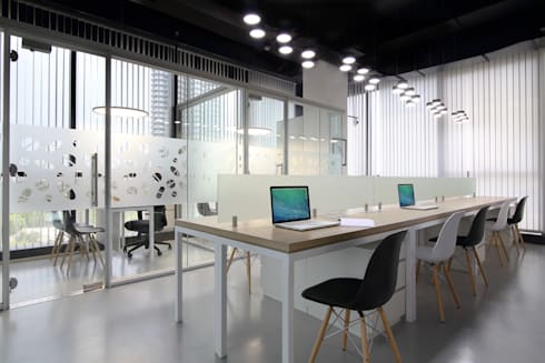 Commercial—Mulund:  Commercial Spaces by Nitido Interior design
